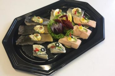 R/2 Średnia patera z rybami (10 porcji)