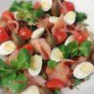 Sałatka z wędzonym łososiem - catering Poznań